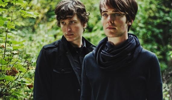 Orcas. Совместный проект The Sight Below и Benoît Pioulard. Бесплатный сингл.